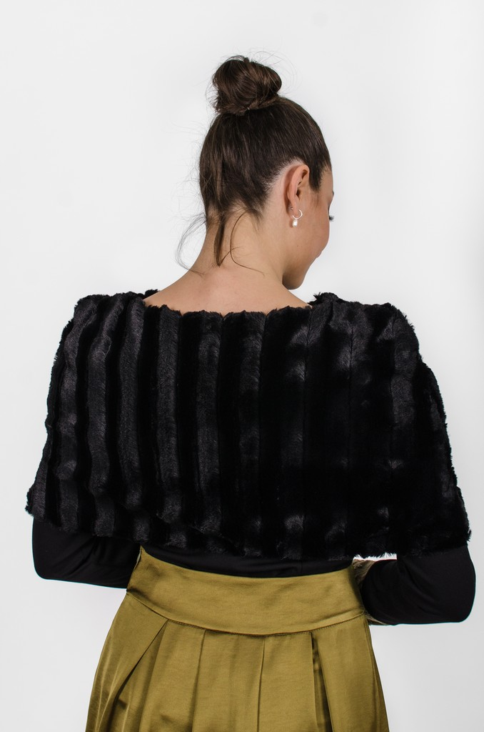 Cape Édith noir profond, dos - vêtements québécois - designer québécois en ligne - Monarcky