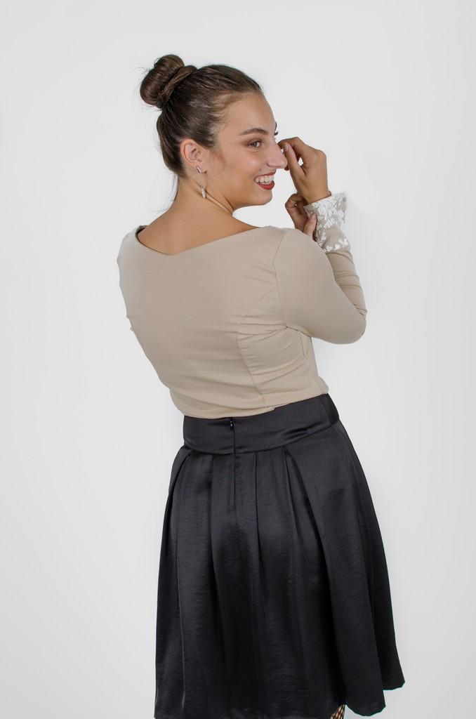 Chandail Mary Beige et crème - vêtements québécois - designer de mode - Monarcky