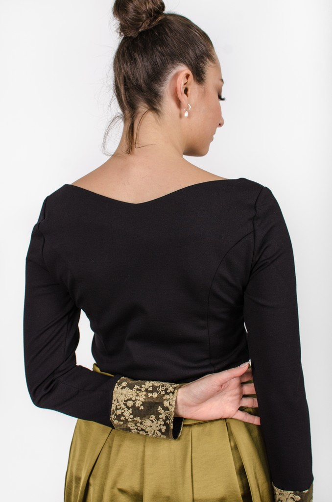 Chandail Mary noir profond - vêtements femme - designer québécois en ligne - Monarcky